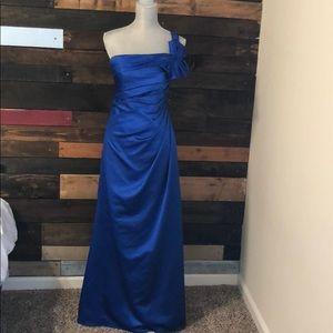 Royal blue prom/wedding/event dress